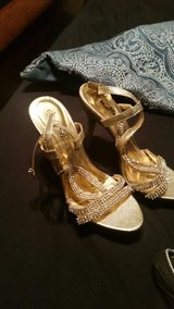 gold heels size 7.5 in Lawton, Oklahoma