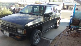 91 Nissan pathfinder in Yucca Valley, California