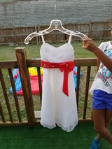 White/Red dress in Perry, Georgia