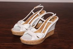 NEW White Bow Wedges in Fort Leonard Wood, Missouri