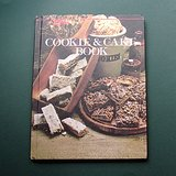 1978 COOKIE & CAKE COOKBOOK in Wheaton, Illinois