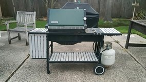 Early Weber Genesis Gas Grill - REDUCED in Kingwood, Texas