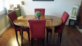 Dining Table with 2 leaves in Bartlett, Illinois