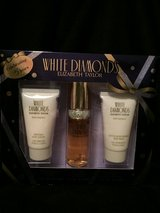 White Diamonds Elizabeth Taylor Perfume Gift Box Set in Kingwood, Texas
