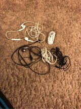 5 sets headphones in Vacaville, California