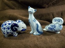 Delft Blue & White - 3 piece - Elephant Bank - Cat - Owl Bank Lot # 596 in Cherry Point, North Carolina