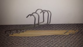 Set of 5 Sturdy Pants Hangers in Chicago, Illinois