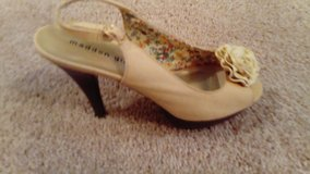 MADDEN GIRL CAMEL PLATFORM SLINGBACK HIGH HEEL SIZE 9 EXCELLENT CONDITION WORN ONLY A FEW TIMES in Houston, Texas