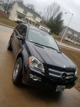Mercedes-Benz  GL450 in Fort Leonard Wood, Missouri