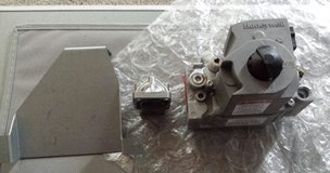 Honeywell 24 volt furnace gas valve includes bracket and kit to convert #VR8205R2091 in Fort Campbell, Kentucky