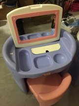 Little Tykes Vanity and chair in Quad Cities, Iowa