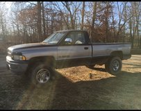 1997 Dodge 2500 SLT in Fort Leonard Wood, Missouri