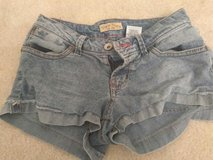 Juniors Paris Blues Short Jean Shorts Size 3 in Fort Bragg, North Carolina