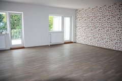 Pending contract! Modern & Spacious 3 Bedroom Apartment w/walk-in closet & covered Patio in Ramstein, Germany