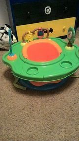 sit and play booster in Fort Lewis, Washington