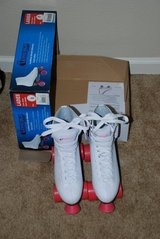 WOMENS CHICAGO ROLLER SKATES SIZE 8 in Leesville, Louisiana
