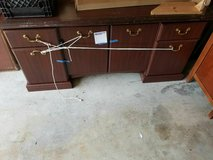 cheap desk in Sugar Grove, Illinois