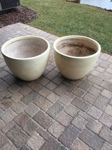 2large  white flower pots in Lockport, Illinois