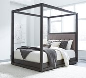"""BRAND NEW! LUXURIOUS DESIGNER """"HEAVY SOLID WOOD"""" CANOPY QUEEN BEDFRAME IN GREY FINISH! in Camp Pendleton, California"""