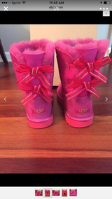 Bailey Bow ugg boots in Orland Park, Illinois