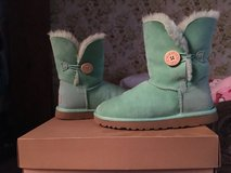 Bailey button uggs green in Tinley Park, Illinois