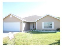 3/2 Spacious House with Lots of storage and huge yard in Fort Riley, Kansas