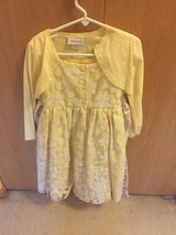 Easter dresses for girls sz 5 in Bolingbrook, Illinois