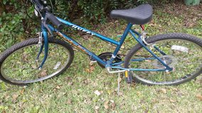 Huffy 26 inch 10 speed bicycle in The Woodlands, Texas