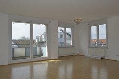 Spacious Modern 3 Bedroom Apartment close to Patch PET FRIENDLY - Commission Free in Stuttgart, GE