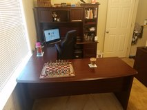 u-shaped desk w/ hutch and filing cabinet in Goldsboro, North Carolina