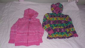 age 3-4 hoodies x2 in Lakenheath, UK