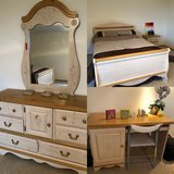Girls Full Bedroom Set in Wiesbaden, GE