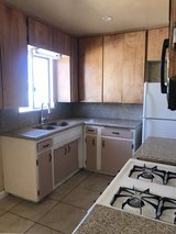 1 bd. 1 bth duplex ALL UTILITIES INCLUDED in Barstow, California