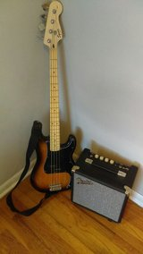 fender squire p bass and amp in Fort Campbell, Kentucky