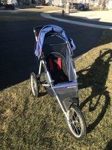 Shwinn jogging stroller in Aurora, Illinois