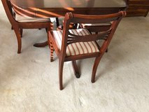 Dining Table & 6 chairs in Kingwood, Texas