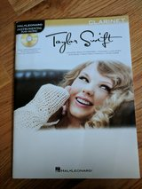 CLARINET Taylor Swift Music Book with CD in St. Charles, Illinois