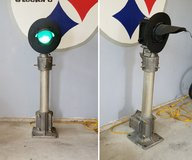 railroad light with base in New Lenox, Illinois