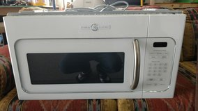 GE - Artistry Series 1.6 Cu. Ft. Over-the-Range Microwave in 29 Palms, California