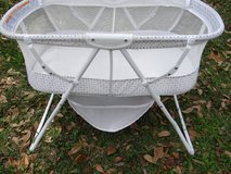 Kolcraft portable bassinet, travel, home, camping! used little in Huntsville, Texas