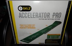 SKLZ  Accelerator Pro Putting Mat with Golf Ball Return ~ NEW in Conroe, Texas