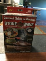 Stone wave microwave cooker in Camp Lejeune, North Carolina