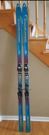 Dynastar assault V8 skis in Batavia, Illinois