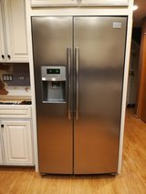 Frigidaire Professional Series side by side in Sandwich, Illinois