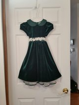 Girl's Green Velvet Dress size 6 in Salina, Kansas
