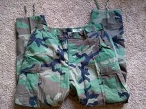 Green Combat Uniform Pants Large/Long in Baytown, Texas