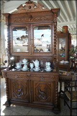 superb hunters hutch with hand carved lions in Ansbach, Germany