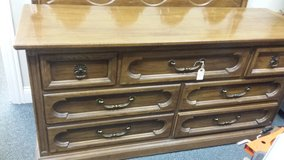 7 drawer dresser in Naperville, Illinois