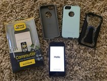 IPhone 5s +Otterbox case, extra skin & 2nd case in Joliet, Illinois