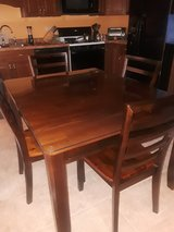 Dining table and chairs in Algonquin, Illinois